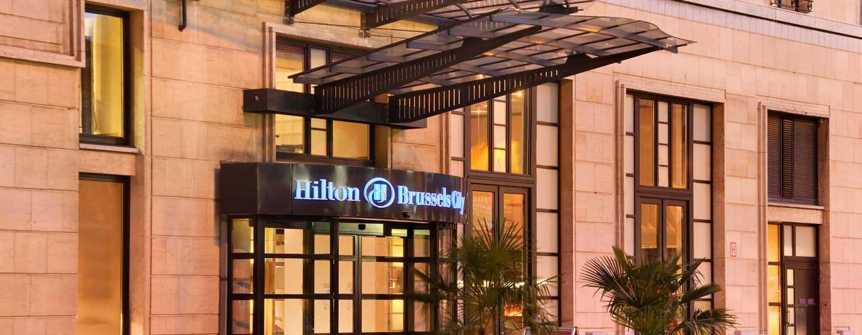 Hilton Brussels City, België - Ingang voorzijde hotel