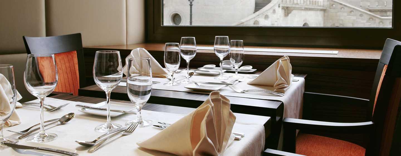 Hotel Hilton Budapest, Maďarsko – Restaurace ICON – Výhled naRybářskou baštu