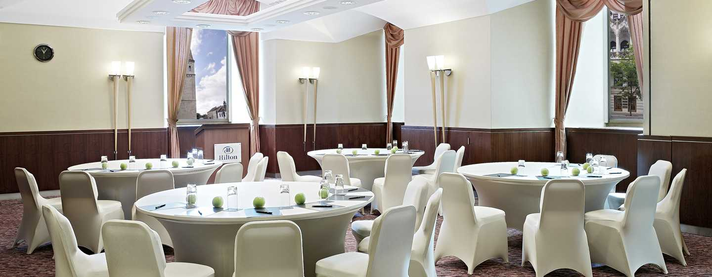 Hotel Hilton Budapest, Maďarsko – Místnost Corvina