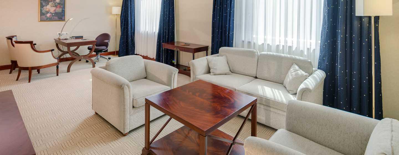 Hotelul Athénée Palace Hilton București, România - Apartament cu vedere spre curte