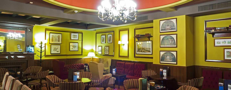 Hotelul Athénée Palace Hilton București, România - English Bar