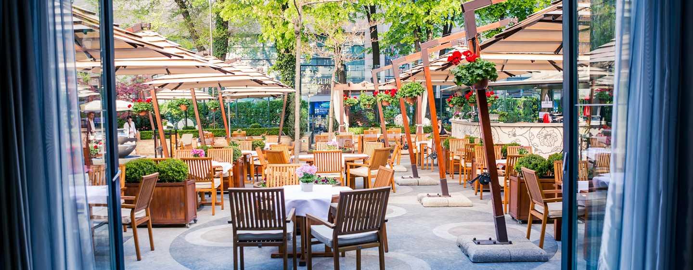 Hotelul Athénée Palace Hilton București, România - Terasa Roberto's La Strada