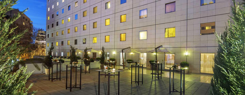 Hotelul Athénée Palace Hilton București, România - Terasa pentru conferințe Hilton