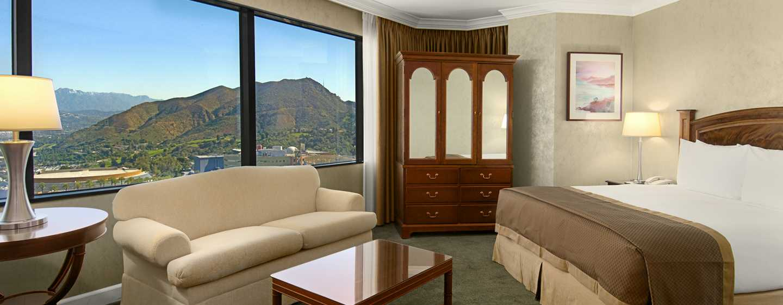 Hilton Los Angeles-Universal City, USA – Zimmer auf dem Executive Floor mit King-Size-Bett