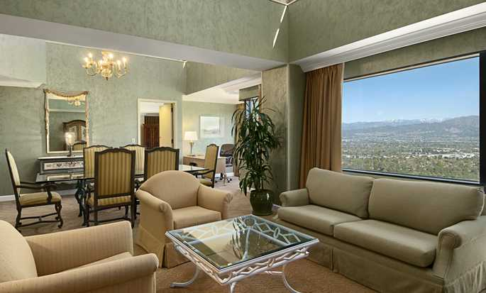 Hilton Los Angeles-Universal City, USA - Diplomat suite parlor room