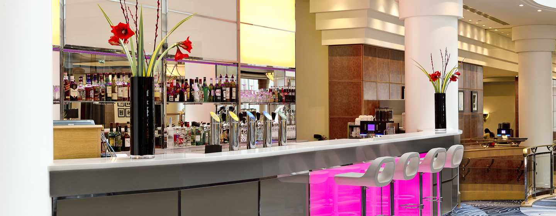 Hilton Paris Charles de Gaulle Airport hotel, Frankrijk - Bar en restaurant Skylight