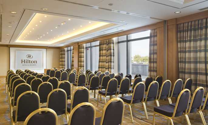 "Hilton Paris Charles de Gaulle Airport Hotel, Frankreich – Boardroom ""Europe"""