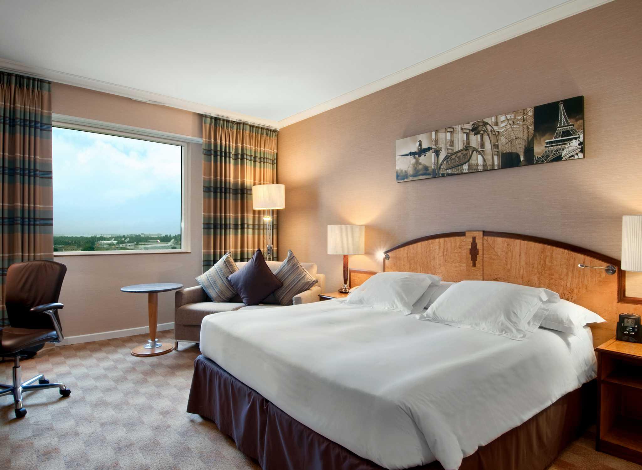 Roissy Hotels – Hilton Paris Charles de Gaulle Airport Hotel ...