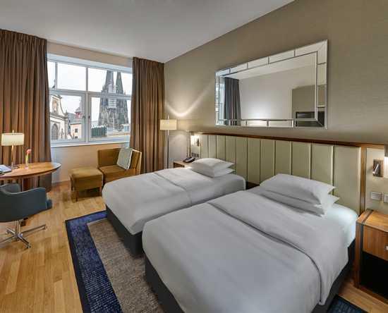 Tweepersoonsbed Lits Jumeaux.Het Hilton Cologne Biedt Zijn Gasten 277 Exclusieve En Moderne