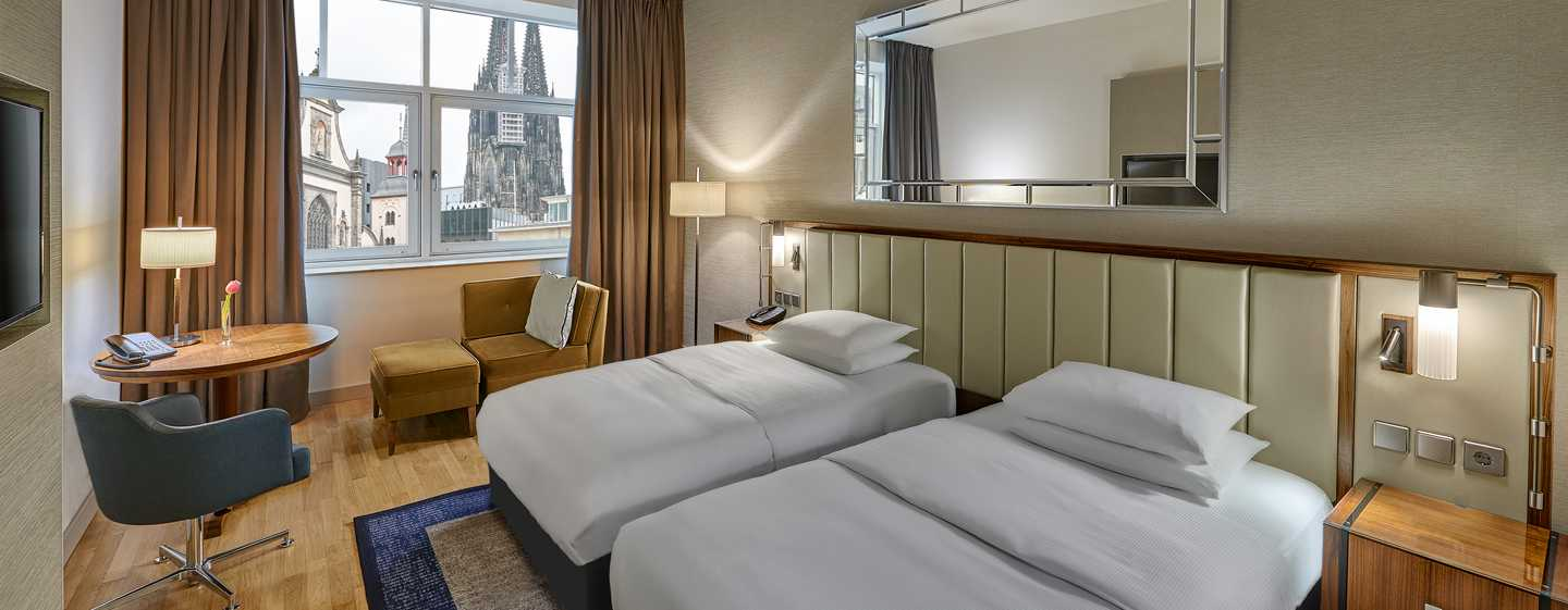 Hilton Cologne, Deutschland - TWIN GUEST ROOM MIT DOMBLICK