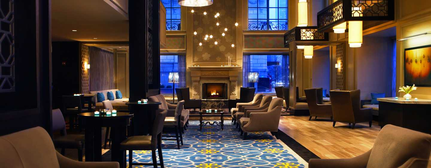 Hilton Chicago, Illinois - Lobby