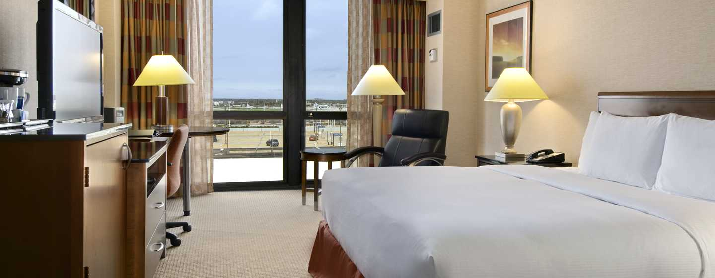 Hilton Chicago O'Hare Airport, USA - King Bed Guestroom