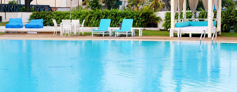 โรงแรม Hilton Colombo ศรีลังกา - สระว่ายน้ำกลางแจ้ง