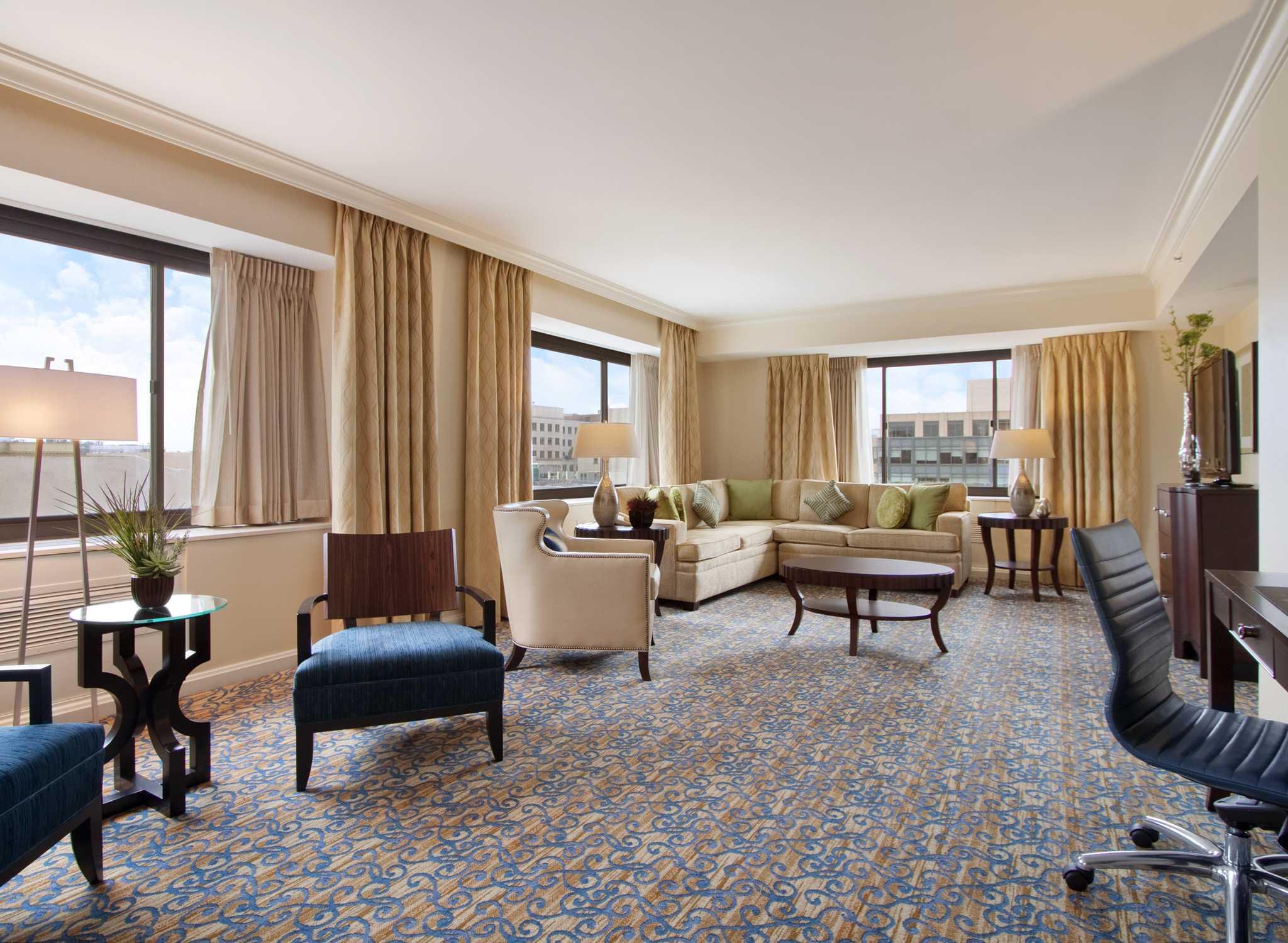 Muebles Hilton Capital Federal - Hoteles En El Centro De La Ciudad De Washington Dc Hotel De Lujo [mjhdah]http://www.hiltonhotels.com/assets/img/Hotel%20Images/Hilton/D/DCASHHH/DCASHHH_meetings_full_senateroom.jpg