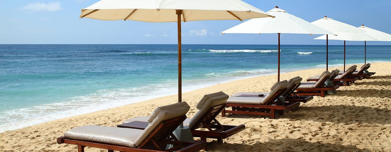 Hilton Bali Resort, Indonesia - Pantai Jernih Berpasir Putih