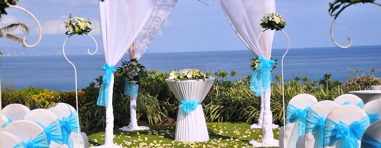 Hilton Bali Resort ประเทศอินโดนีเซีย - งานวิวาห์ในสวน