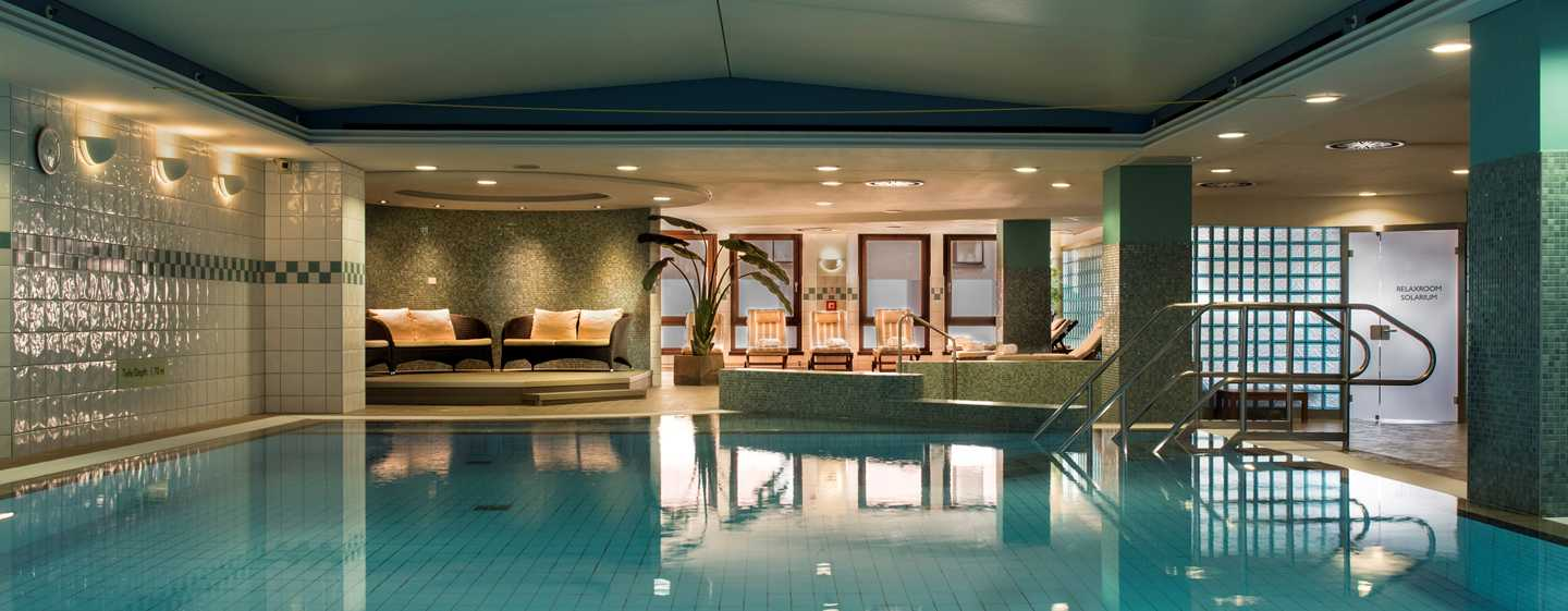Hilton Dresden Hotel – LivingWell Health Club Indoor Swimming Pool