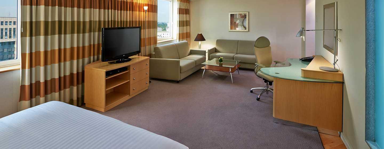 Hôtel Hilton Dusseldorf, Allemagne - Suite junior avec très grand lit