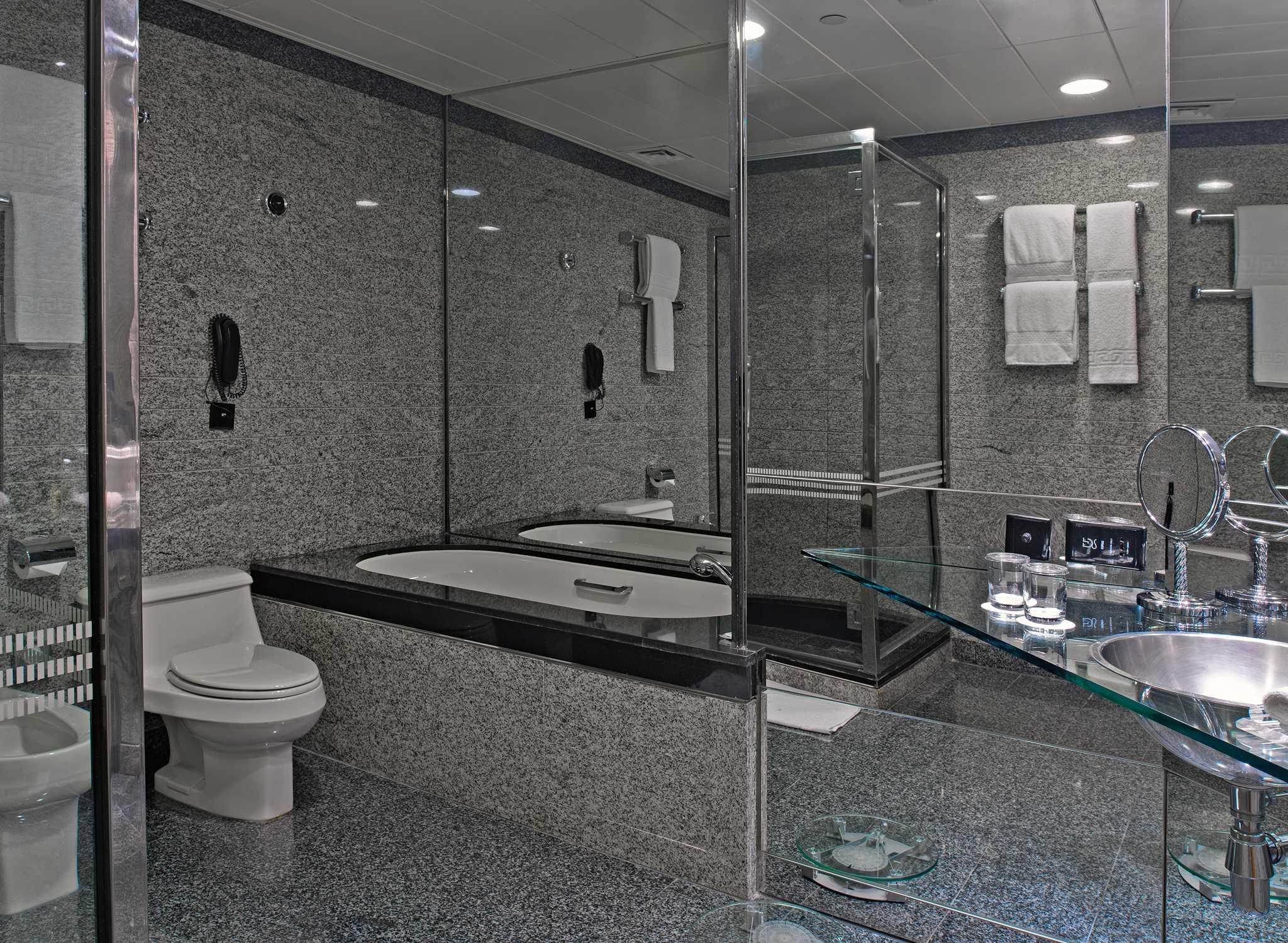 Hotels in Dubai – Hilton Dubai Creek Hotel – Vereinigte Arabische ...