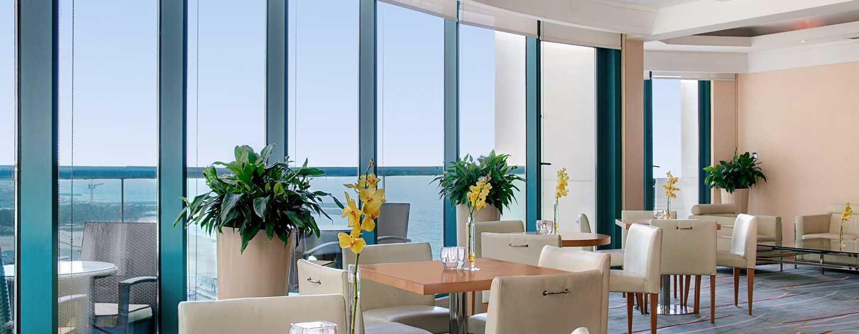 Hilton Dubai Jumeirah Hotel, Dubai, VAE– Executive Lounge