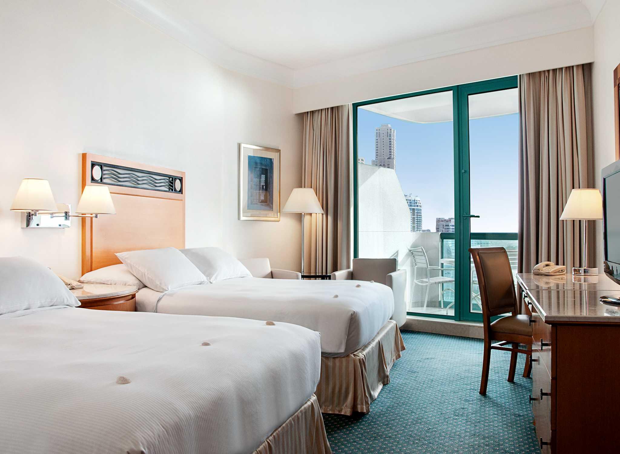 Jumeirah Beach Hotels Amp Resorts Hilton Dubai Jumeirah