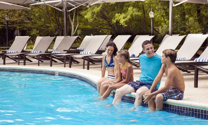 Hilton Short Hills hotel, New Jersey - Outdoor Pool