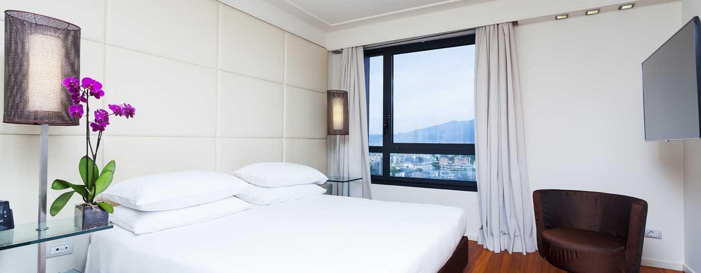 Hôtel Hilton Florence Metropole, Italie - Suite avec très grand lit