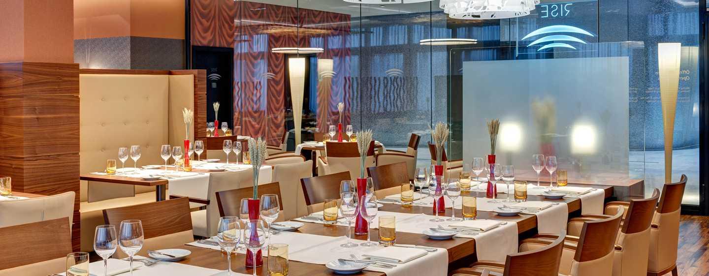 Hotel Hilton Frankfurt Airport, Alemania - Restaurante RISE