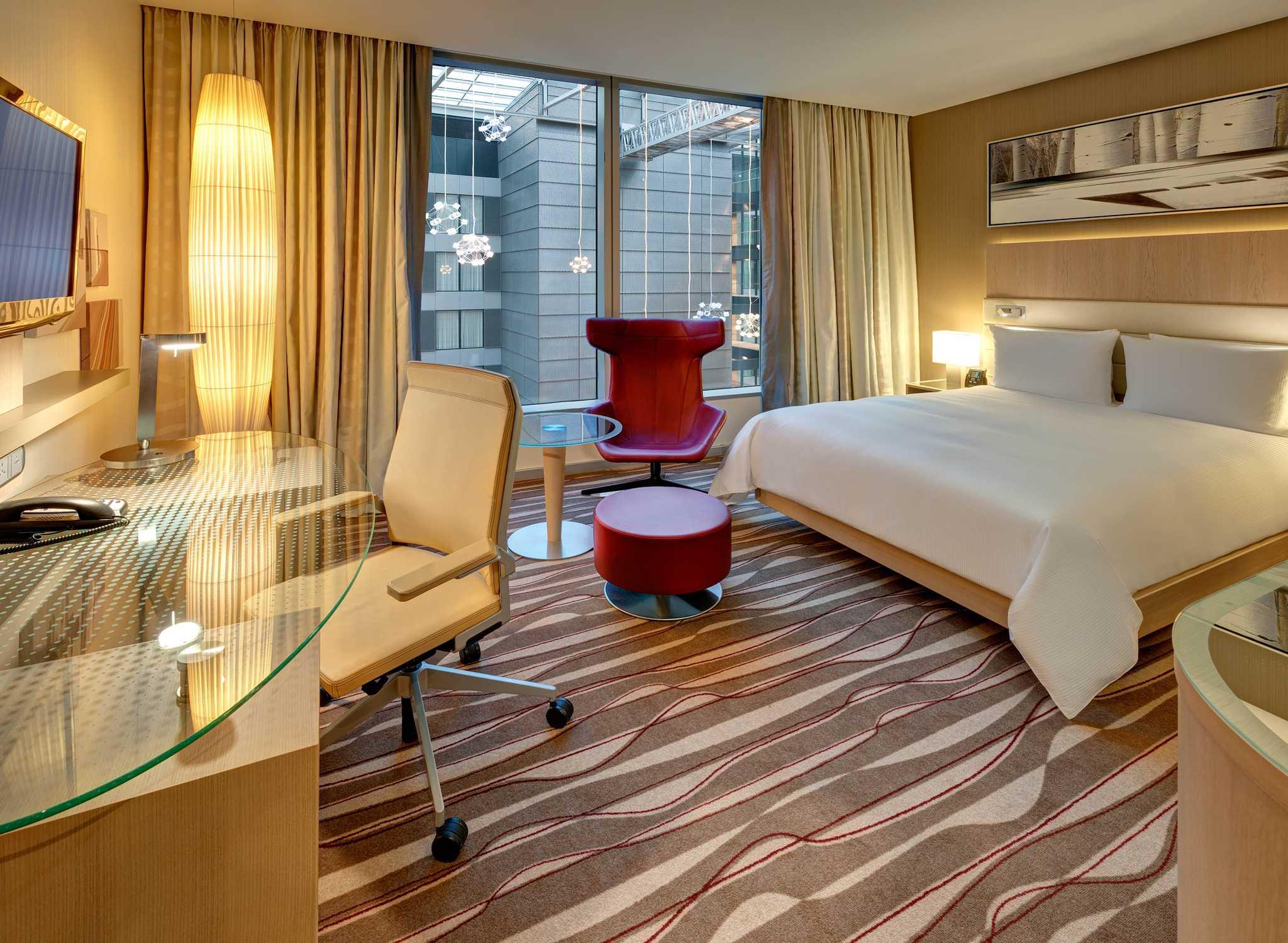 hilton hotel resorts allemagne. Black Bedroom Furniture Sets. Home Design Ideas