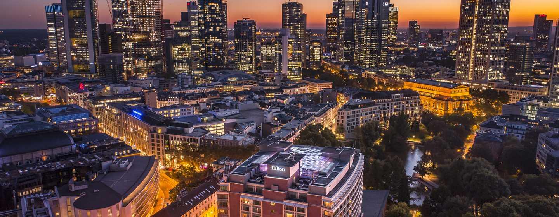 Hilton Frankfurt City Centre hotel, Duitsland - Uitzicht op de skyline