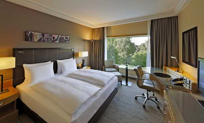 Hotel Hilton Frankfurt City Centre, Germania - Camera con letto king size
