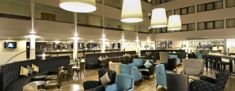 Hilton London Gatwick Airport, Großbritannien -Lobby-Bar