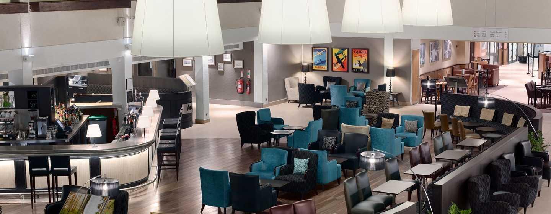 Hilton London Gatwick Airport, Großbritannien -Hotel Lobby