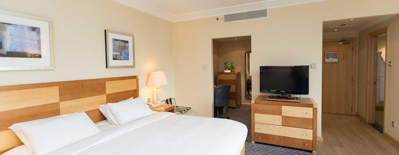 Hilton London Gatwick Airport, Großbritannien -Junior Suite mit King-Size-Bett
