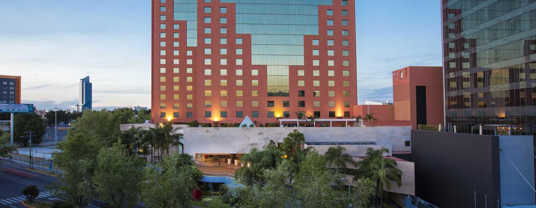 Hilton Guadalajara, México - Fachada del hotel