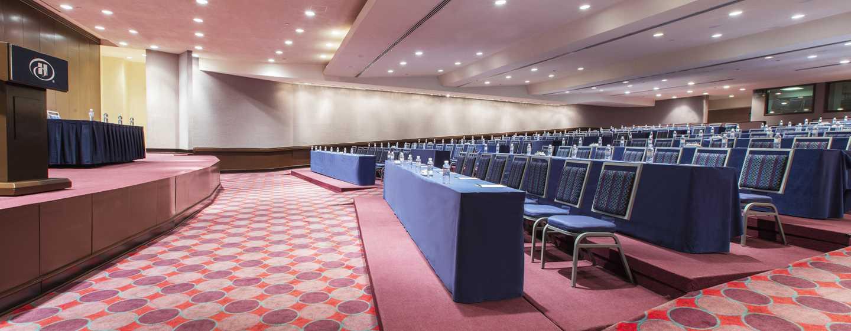 Hilton Guadalajara, México - Reunión con montaje tipo auditorio