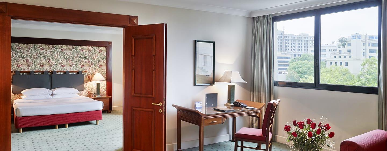 โรงแรม Hilton Hanoi Opera เวียดนาม - ห้องเอ็กเซ็กคิวทีฟสวีท เตียงคิงไซส์