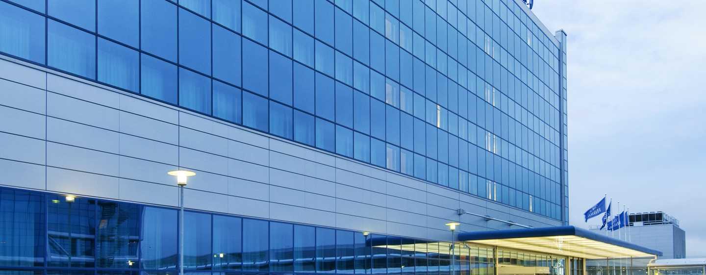 Hilton helsinki airport hotel vliegveld helsinki vantaa for Eigentijdse buitenkant