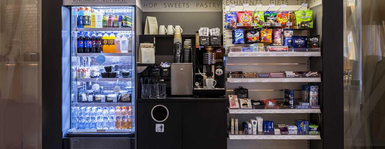 Hilton Helsinki Airport, Finland – Lobbyshoppen