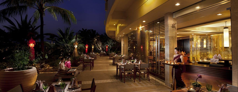 โรงแรมฮิลตัน ภูเก็ต อาร์เคเดีย รีสอร์ท แอนด์ สปา ประเทศไทย - พื้นที่ด้านนอก - ร้านอาหารไทย ไทย