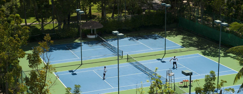 โรงแรมฮิลตัน ภูเก็ต อาร์คาเดีย รีสอร์ท แอนด์ สปา ประเทศไทย - พื้นที่ด้านนอก - สนามเทนนิส