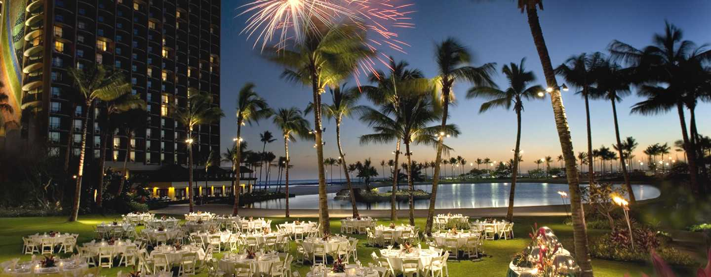 Hilton Hawaiian Village Waikiki Beach Resort Hotel, Honolulu, Hawaii, USA – Great Lawn