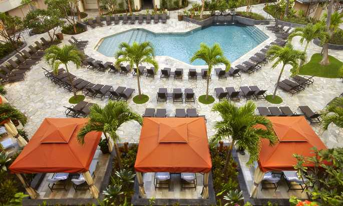 Hilton Hawaiian Village Waikiki Beach Resort -lomahotelli, Yhdysvallat – Super Pool -uima-allas