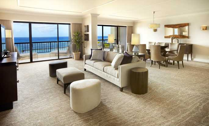 Hilton Hawaiian Village Waikiki Beach Resort Hotel, Hawaii, USA – Wohnbereich der Suite