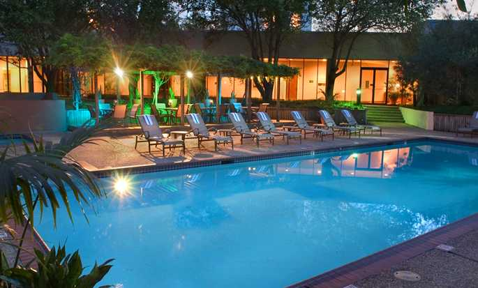 Hotel Hilton Houston Westchase, Houston, Texas - Piscina al aire libre