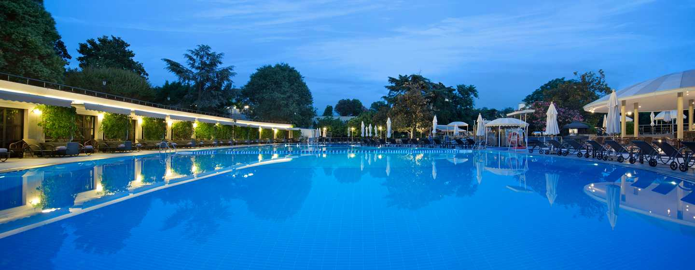 H tels de luxe istanbul turquie hilton istanbul bosphorus - Piscine istanbul ...