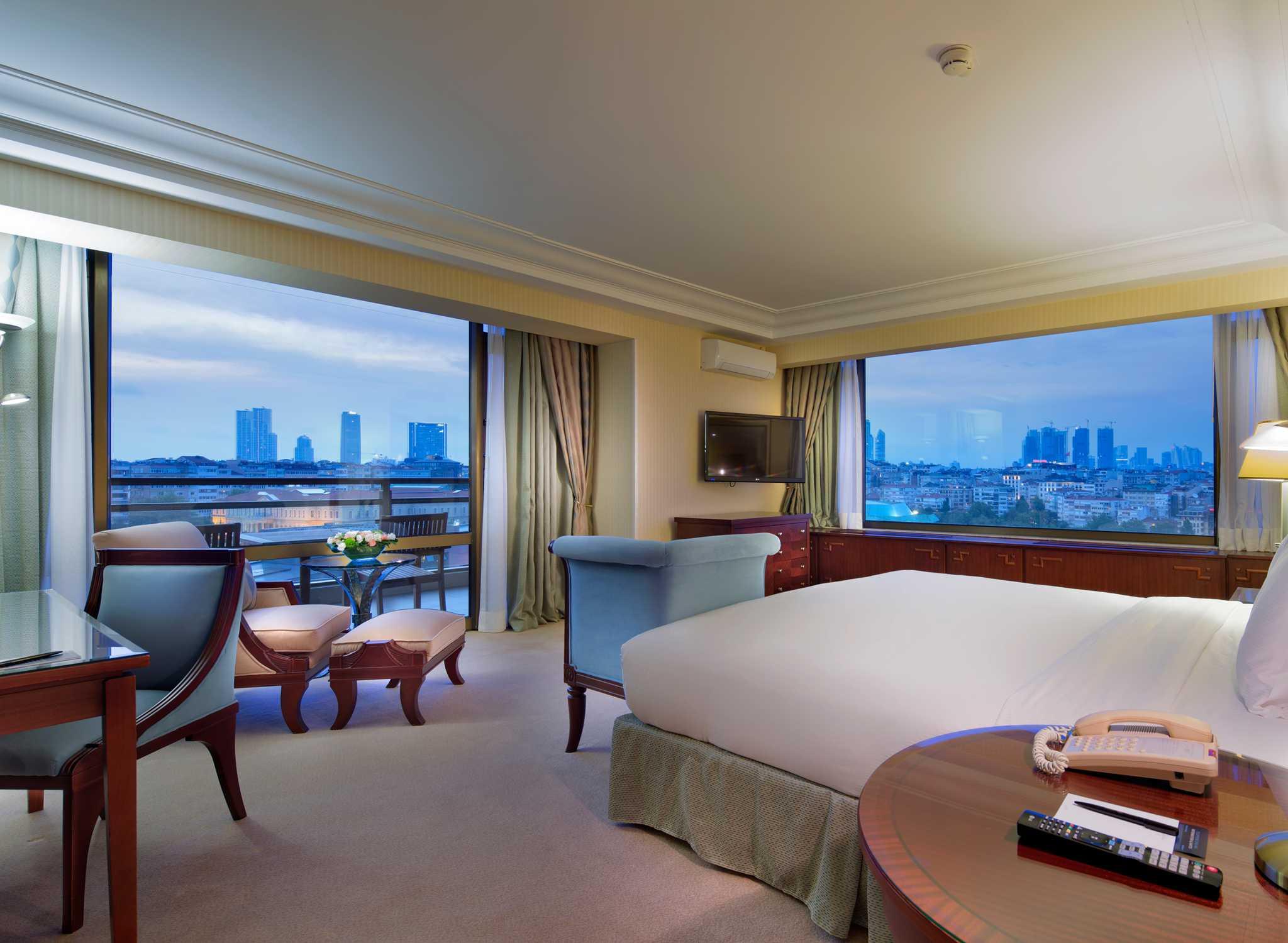 Hôtels De Luxe à Istanbul Turquie Hôtel Hilton Istanbul Bosphorus - Tres grand lit design
