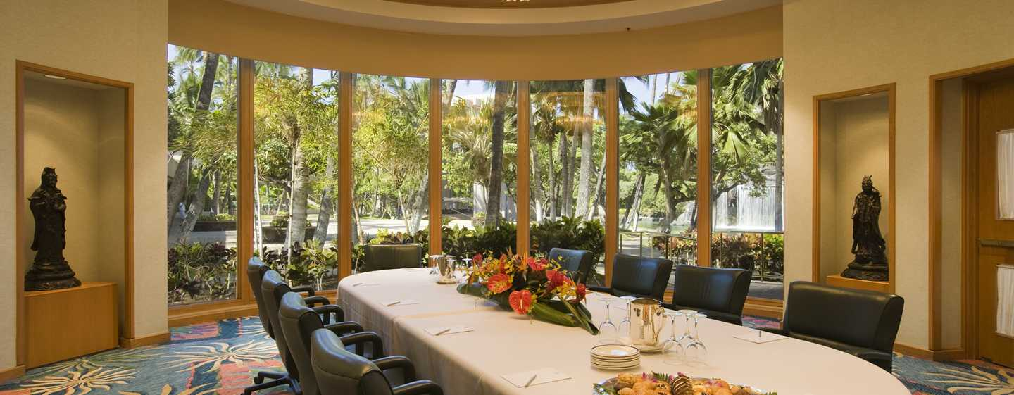 "Hilton Waikoloa Village Hotel, Hawaii, USA – Boardroom ""Water's Edge"""