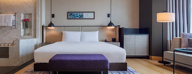 Hilton Kuala Lumpur Hotel, Malaysia – Deluxe Zimmer mit Kingsize-Bett