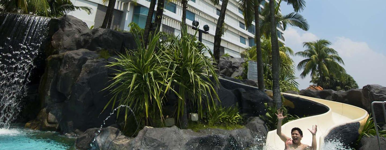 Hilton Kuala Lumpur Hotel, Malaysia– Swimmingpool